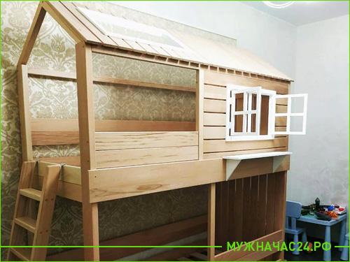Работа по сбору детской кровати закончена