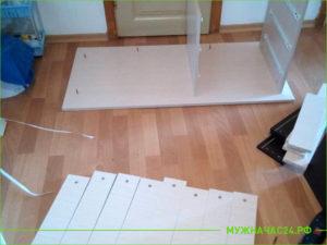 Процесс сборки стола для ученика